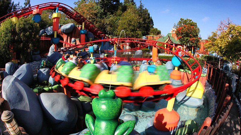 Toontown Mickey: Gadget's Go Coaster