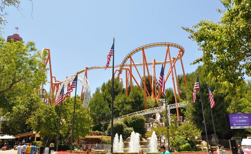 Parque Six Flags Magic Mountain Califórnia na Califórnia